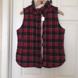 🎁 Holiday Plaid Vest - Skies Are Blue
